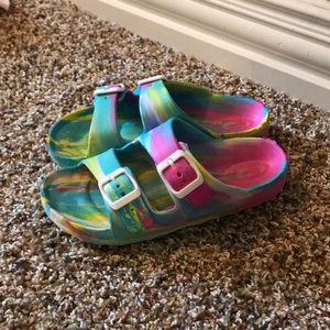Multi color slides with buckles!